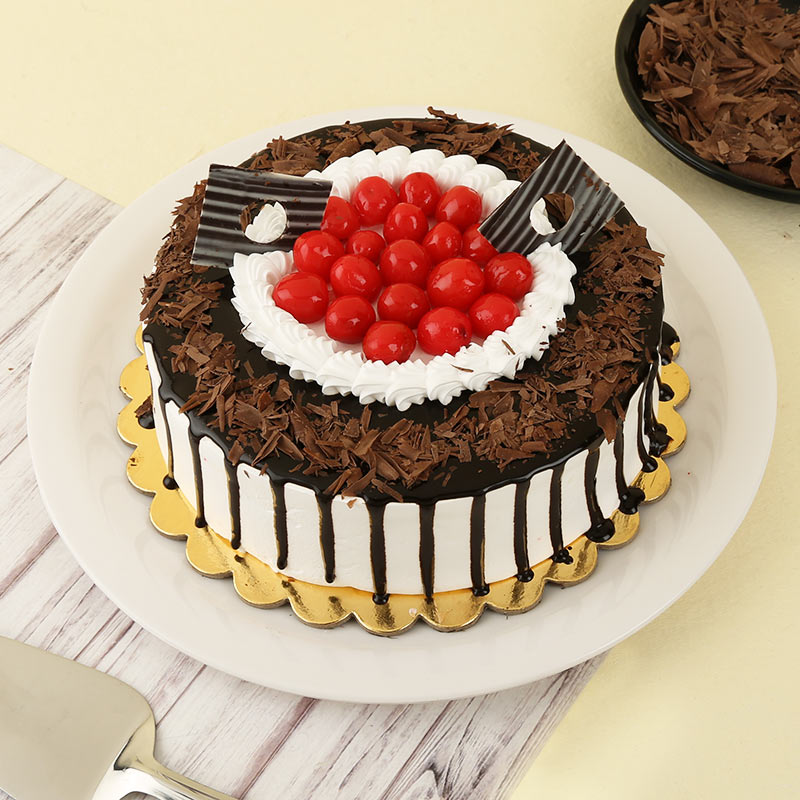 Eggless Black Forest Wit...