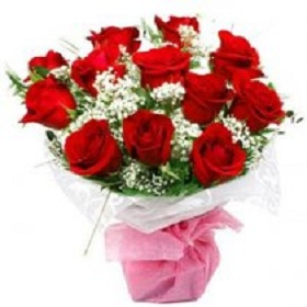 12 Red lovely Rose bouqu...
