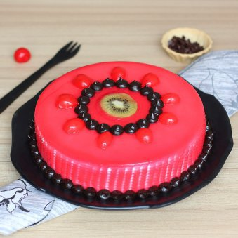 Strawberry Cake With Pin...